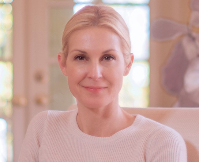 Kelly Rutherford | An Emotional Campaign